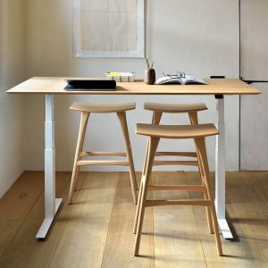amandari barová stolička osso dub , barová stolička ethnicraft, dubová stolička, drevená barové stolička, barová stolička bez opierky a podrúčok, dizajnová barová stolička