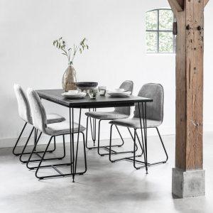 jedálenský stôl, obdĺžnikový stôl, kamenný stôl, tmavý stôl, jedálenský stôl s kovovými nožičkami, betónový stôl, betónový vzhľad stola, jedálenský stôl do moderného bytu, jedálenský stôl do moderného interiéru, jedálenský stôl do menšieho priestoru