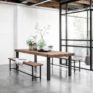 drevený jedálenský stôl, obdĺžnikový stôl, drevený, masívny stôl, teakový stol, teakový stôl, recyklovaný stôl, jedálenský stôl s kovovými nožičkami, jedálenský stôl s kovovou podnožou, riadny masívny drevený stôl, jedálenský stôl na chatu, jedálenský stôl do vinárne, jedálenský stôl do horského interiéru, jedálenský stôl s lavicou