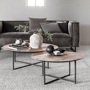 amandari konferenčný stolík cosmo, okrúhly príručný drevený stolík, konferenčný stolík, teakový konferenčný stolík, masívny drevený konferenčný stolík, stolík s masívnou drevenou doskou, drevený stolík so železnými nohami, stôl z recyklovaného teaku, nábytok s príbehom, moderný teakový stolík