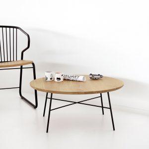 amandari konferenčný stolík disc dub, stôl ethnicraft, okrúhly konferečný stolík, zaujímavá kovová podnož, dubový konferečný stolík s kovovou podnožou, masívny drevený konferečný stolík, stolík s masívnou drevenou doskou, stôl z dubového dreva, dizajnový stolík, moderný konferenčný stolík