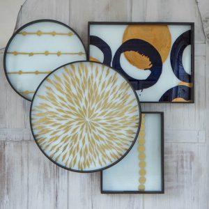amandari kovanie na tacky, tácky na stenu, upovnenie tácok na stenu, držiaky na tácky, nástenné dekorácie