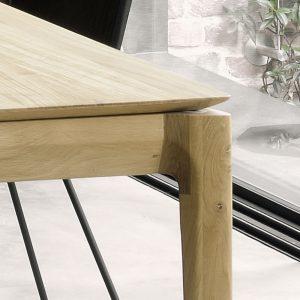 rozkladací stôl, rozkladací masívny stôl, rozkladací drevený stôl, moderný rozkladací jedálenský stôl, stôl s rozkladaním, masívny rozkladací stôl, dizajnový rozkladací stôk, stôl bok ethnicraft, stôl amandari