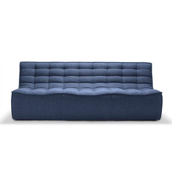 sedačka, gauč, sedenie, sedenie v obývačke, sedačka bez opierky, látková sedačka, modrá sedačka, nadčasová sedačka, pohodlná sedačka, komfortná sedačka, chesterfield sofa, moderná sedačka, nadčasová sedačka, dizajnová sedačka, prešívaná sedačka, dvojsedačka, modulárna sedačka, rohová sedačka, taburet