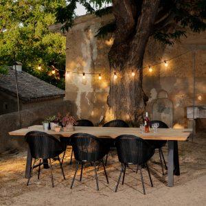 amandari svietidlo light my table outdoor vincent sheppard, svietidlo nad stôl, exteriérová svetelná reťaz, dizajnová svetelná reťaz, dizajnové svietidlá, svetelná reťaz outdoor, svetelná reťaz nad stôl indoor, dizajnové svietidlá na reťazi, záhradné svietidlo, jedálenské svietidlo